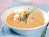 Супа от тиквички с чесън и домати