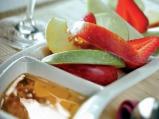 Плодова салата с ментов сос