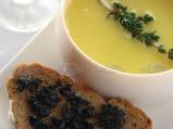 Картофена супа с маслиново хлебче