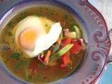 Зеленчукова супа със забулено яйце