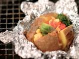Печен картоф с плънка от зеленчукова ...