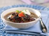 Супа от червен боб със заквасена сметана