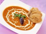 Супа от печени домати и маслинова паста