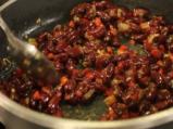 Тортила чипс с дип от червен боб 2