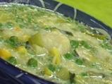 Супа от праз с кашкавалени топчета