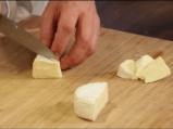 Крем супа от броколи с лешници и сирене 5