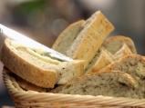 Средиземноморски хляб с билки и сирене