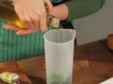 Рулца от тиквички с козе сирене и зелено олио 5