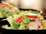 Пролетна салата с индийски сос