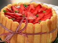 Ягодова торта с бишкоти