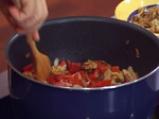 Котлети от шаран със сос от чушки и карамелизиран лук
