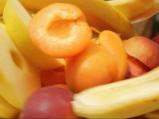 Карамелизирани плодове със сладолед