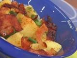 Картофена салата с бекон и синьо сирене