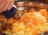 Кюфтета от моркови със сос от копър