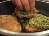 Пилешки пържоли със зелена коричка 3