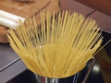 Спагети с праз и царевица