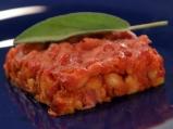 Запечен боб с бекон в доматен сос