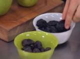 Пълнени карамелизирани ябълки с ориз, ядки и плодове