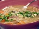 Пилешка супа със зеле