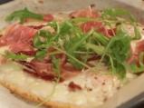 Пица от карфиол с яйца и моцарела 6