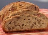 Хляб без месене с орехи и сирене