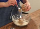 Тиквен кейк с течен шоколад и лешници 2