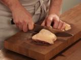 Печени пилешки бутчета, мариновани в мътеница