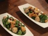 Спаначена салата с топчета от сирене и морковени хлебчета  8