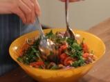 Салата от спанак с моркови и печени чушки 2