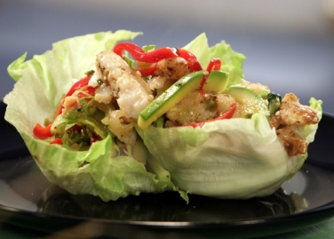 Пангасиус със зеленчуци на тиган