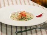 Супа с кокосово мляко и скариди