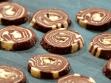 Шарени бисквити с какао и ванилия
