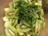 Зелена плодова салата 2
