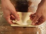 Фунийки с ванилов крем и ягоди 10