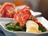 Спаначена салата с яйца и гъби