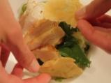 Пилешка салата с тиквички и спанак 6