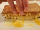 Милфьой с ванилов крем и манго 8