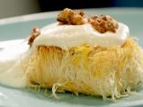 Кадаиф с ванилов крем и орехи