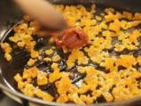 Салата от кускус с пилешко и сушени кайсии 5