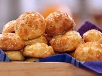 Въздушни хлебчета с пекорино и пипер