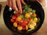 """""""Капрезе"""" с чери домати и маслини 2"""