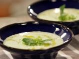 Студена супа от краставици и козе сирене