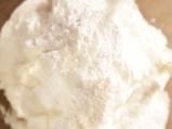 Млечен десерт с бисквити и праскови 2