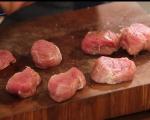 Медальони от свинско бонфиле с пушен бекон