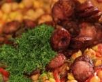 Топла салата с нахут и царевица 3