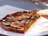 Обърнат тарт с карамелизиран праз