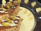 Кейк с ананас, орехи и крем от ром