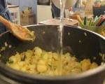 Супа от земни ябълки с печени пилешки бутчета  2