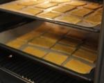 Тиквени крекери с дип от чушки  5