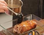 Свинско със сушени плодове върху чили ризото 5